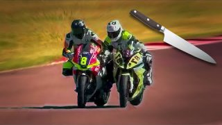 THEY BEAT EACH OTHER UP DURING A MOTORBIKE RACE! - Crazy italian racing - Amateur Superbike